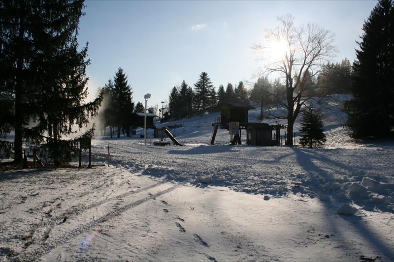 SnowTrailsOpeningDay12_11_09_002.jpg