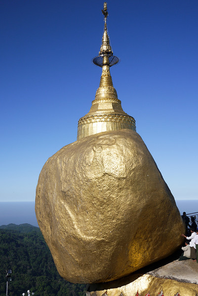 Kyaiktiyo Pagoda, Burma (51).jpg