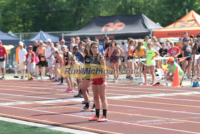 D1 Girls' 4x400 Relay - 2014 MHSAA LP T&F Finals