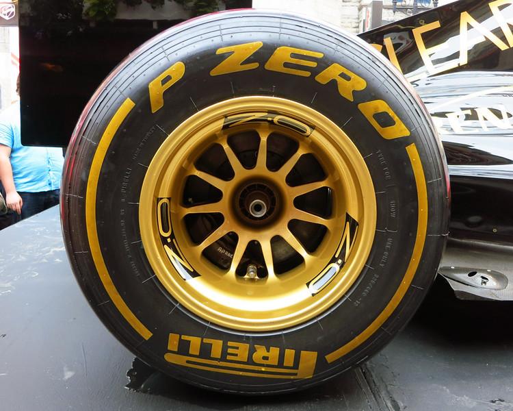 Pirelli P Zero.jpg