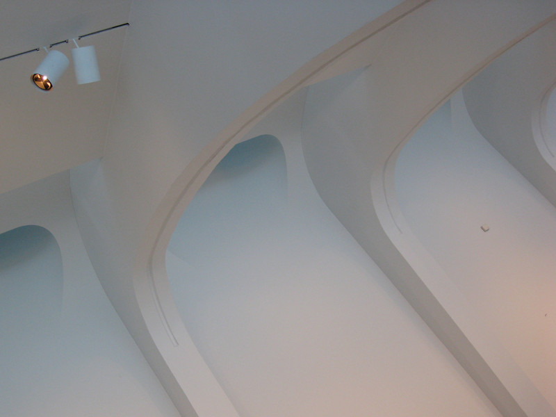 The Milwaukee Art Museum. Taken with my tiny, trusty Canon SD770 P&S.