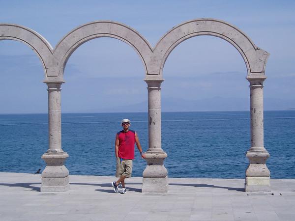 Puerto Vallarta 04.25.03