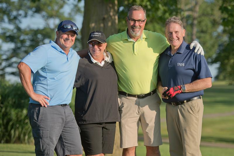 2019_scholarship_golf_46244.jpg