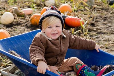 Elliot @ The Pumpkin Patch 20