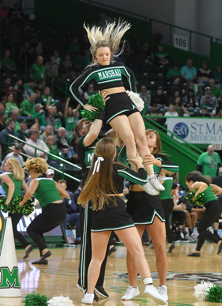 cheerleaders3199.jpg