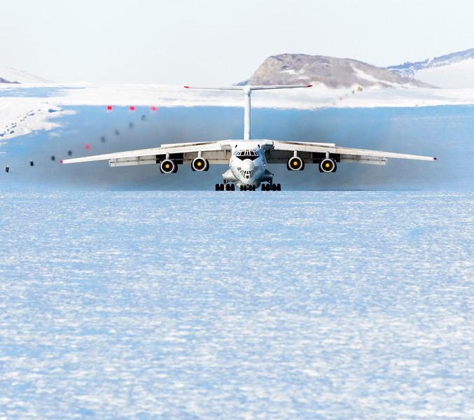 IL-76 Landing Korean TV -1-14-18107002.jpg