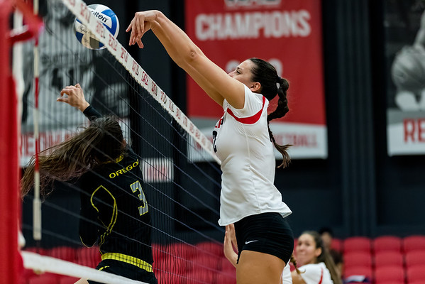2016 Seattle U Volleyball vs Oregon