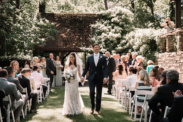 Cleveland Wedding Photographer   Brandi & Doug's Hillbrook Wedding