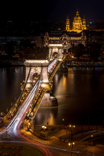 Chain bridge in Budapest Hungary rendered as watercolor.