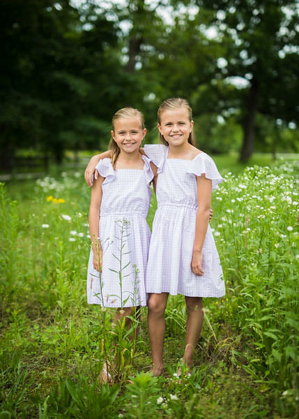 Girls in Tall Grass (2 of 6).jpg