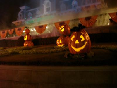 Honeymoon - Mickeys Not So Scary Halloween