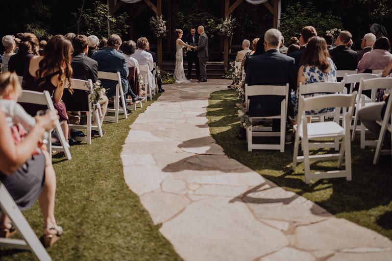 2018-05-12_ROEDER_JulieSeth_Wedding_ROEDER1_0134.jpg