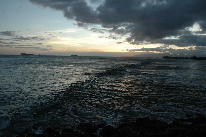 Hawaii - Ala Moana Beach Sunset-80.JPG