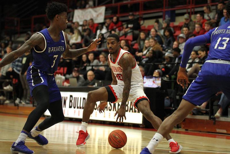 Gardner-Webb University men's basketball team plays Hampton.