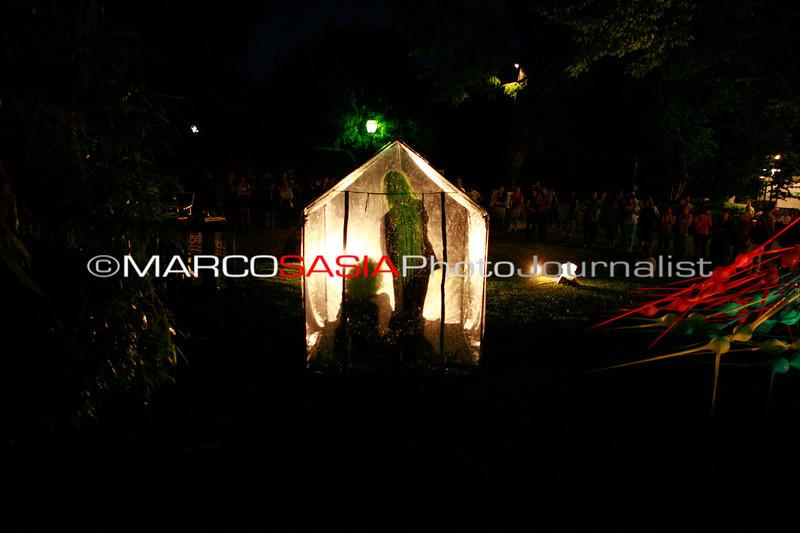 0235-zooart-01-2012.jpg