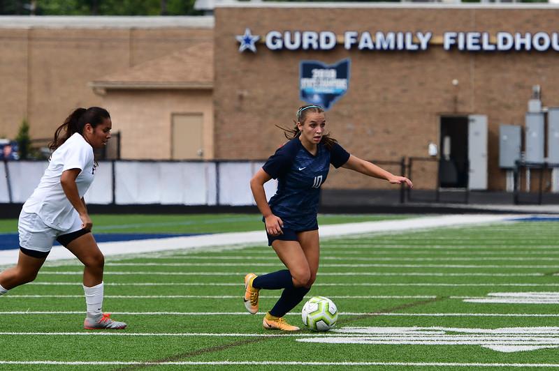 girls_soccer_9601.jpg