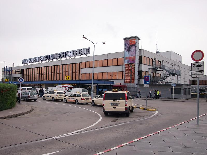 P8288114-terminal-building.JPG