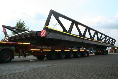 20120806 Zwaar Transport door Ravels, feest bij Mieke Pap