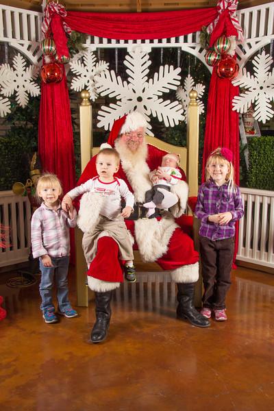 Santa 12-16-17-438.jpg