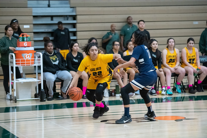 Basketball-W-2020-01-31-7820.jpg