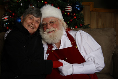 Santa Photos Thurs 5pm to 8:30pm