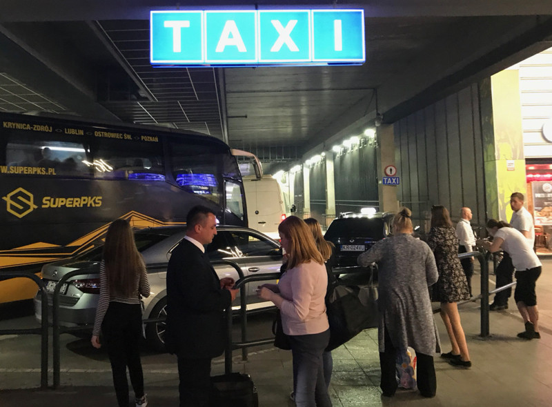 taxi-rank-bus-station.jpg
