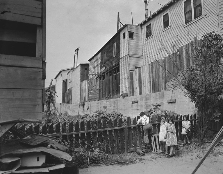 1938-LA-slums-greatDepression.jpg