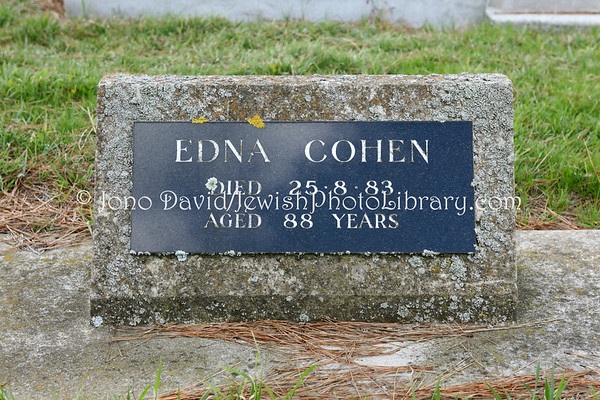 NEW ZEALAND, Christchurch. Jewish sector, Linwood Cemetery. (8.2010)