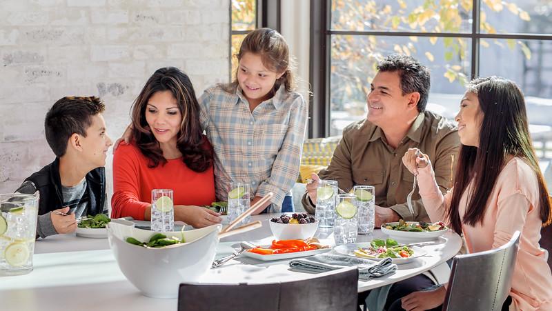 113017_07907_House_Family Table.jpg
