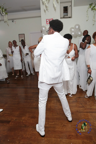 SHERRY SOUTHE WHITE PARTY  2019 re-147.jpg