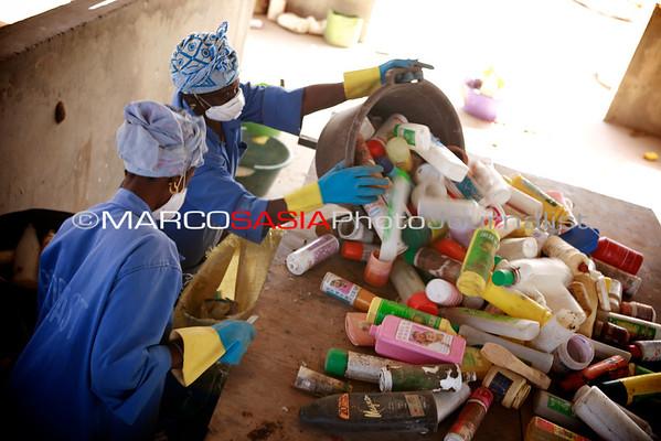 Senegal project ong LVIA Plastic