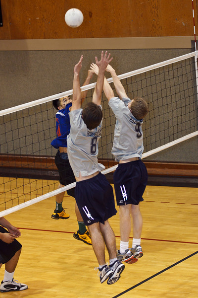 RCS-VarsBoysVB-vs-SanLeandro-March2011-008.jpg