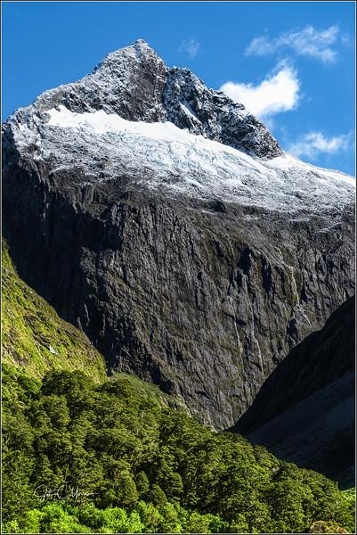 JM8_1525 Mt Peak LPNLM r2W.jpg