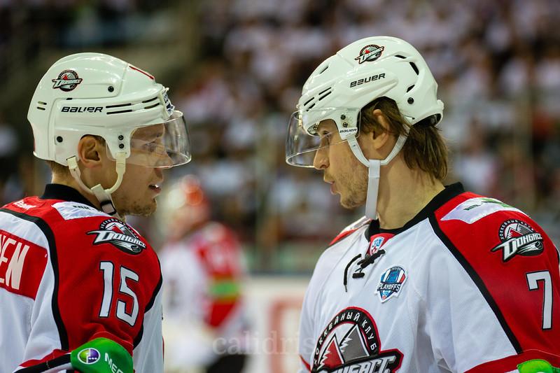 Petteri Wirtanen (15) un Oskars Bartulis (7)
