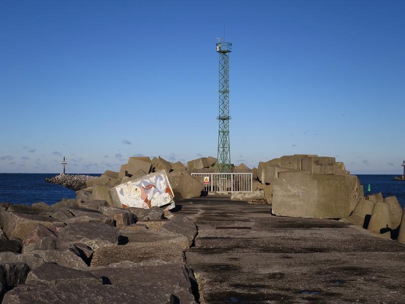 Door de Memelrivier blijft er een opening  naar het hafmeer
