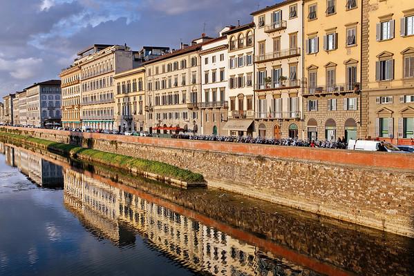 Quai de l'Arno de droite à gauche