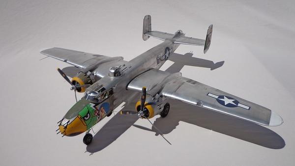 "B-25J ""Lady LiL"""