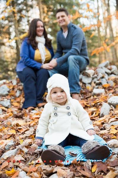 0b5b5753b6e5b4493d6e217b42fe3d47--fall-family-photos-fall-photos.jpg