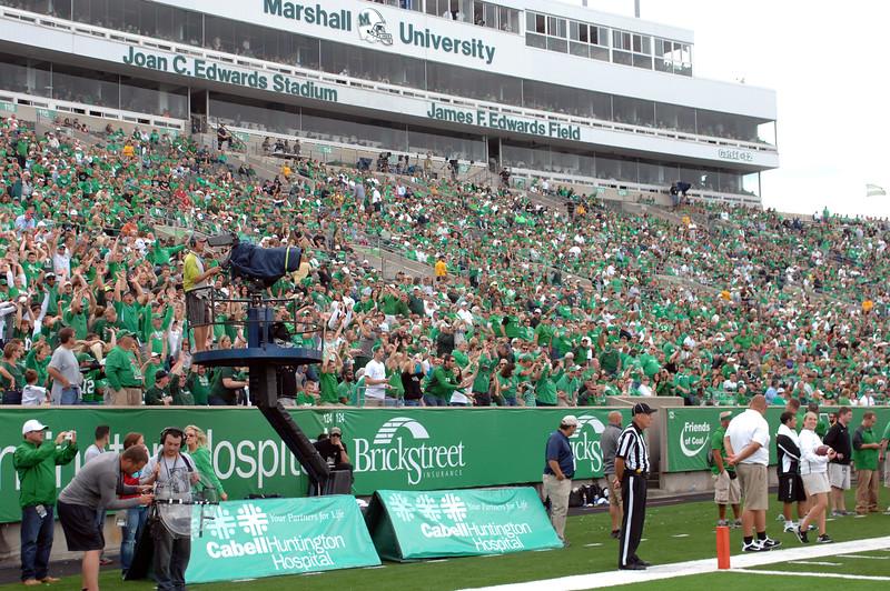 crowd4797.jpg