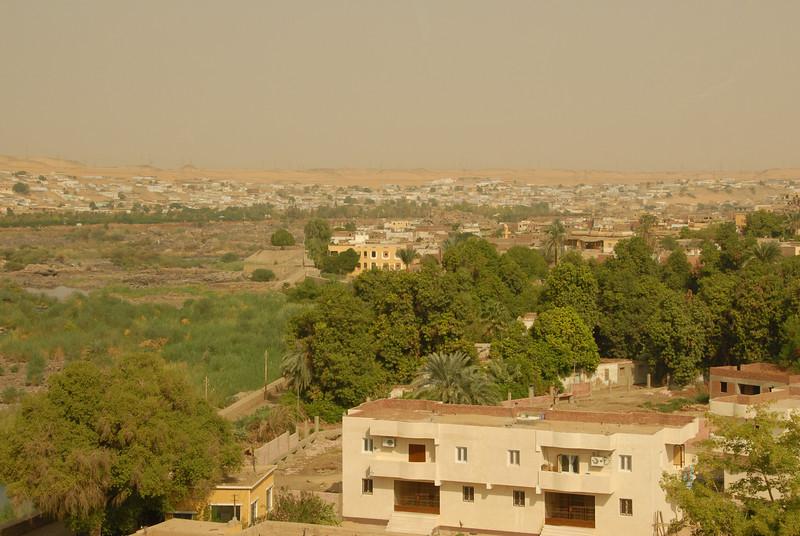 [20101005] Day 6 - Aswan Dam (4).JPG