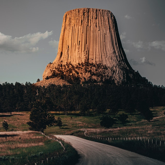 What roadside attractions does the United States have to offer?