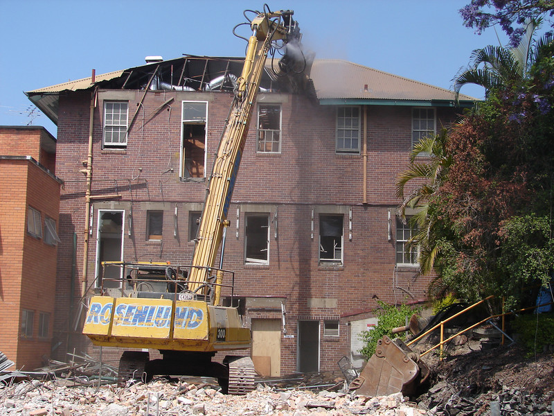 Chaplin Building demolition 004.jpg