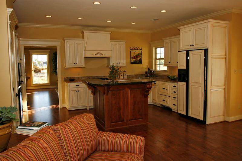 kitchen200.jpg
