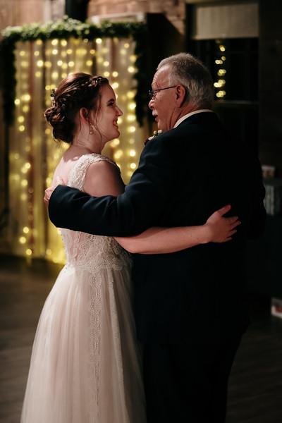 rustic_ohio__fall_barn_wedding-394.jpg