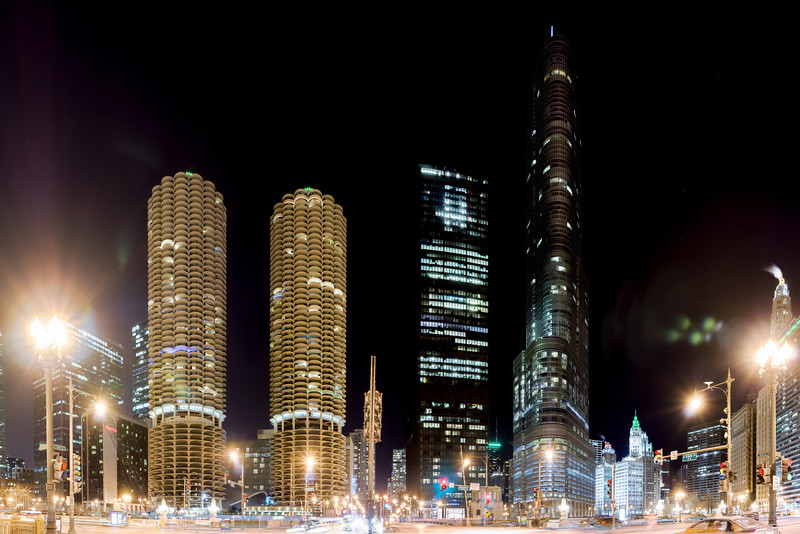 Night Pano from Chicago at State and Wacker