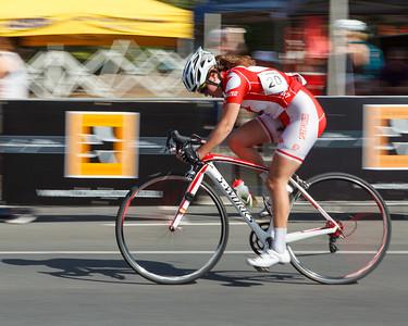 2012 Subaru Noosa Women's Cycling Grand Prix Criterium. Photos by Des Thureson.