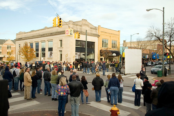 """<img src=""""http://static.record-eagle.com/elements/eagle-35px.gif"""" style=""""float:left;margin-right:5px;border:0;"""">Roll 'Em! Movie shoots in downtown TC"""