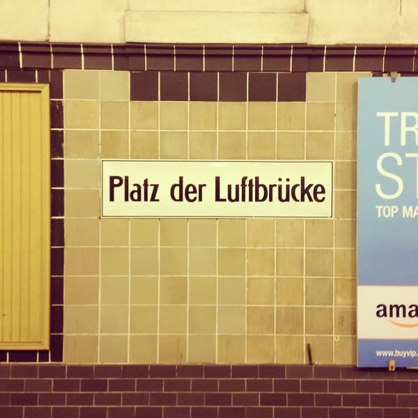 Platz der Luftbrucke u-bahn Berlin