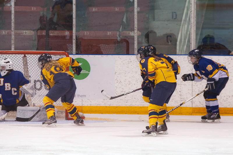 20130310 QWHockeyvsUBC 623.jpg