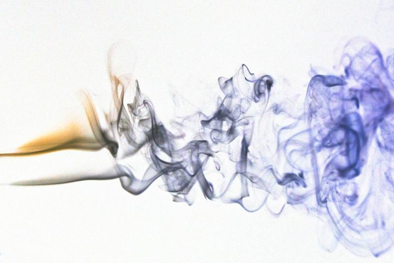 Smoke Trails 4~8547-1ni.